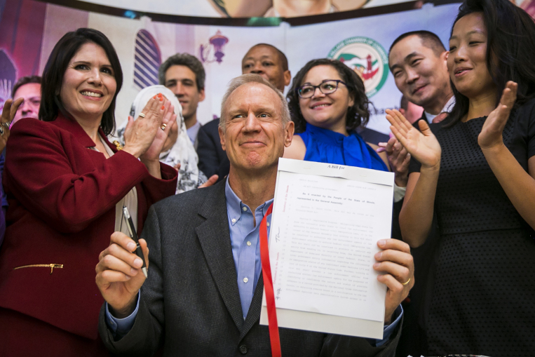 Rauner signs medical marijuana expansion bill allowing drug as painkiller alternative
