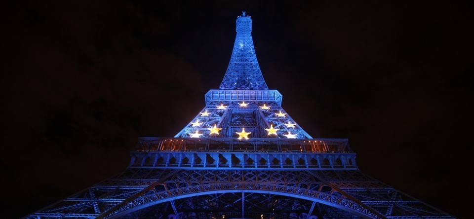 200 stars urge 'serious' action on climate change in letter to Le Monde